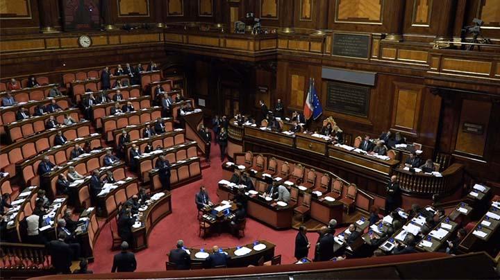 Libere professioni al centro di 5 mozioni parlamentari